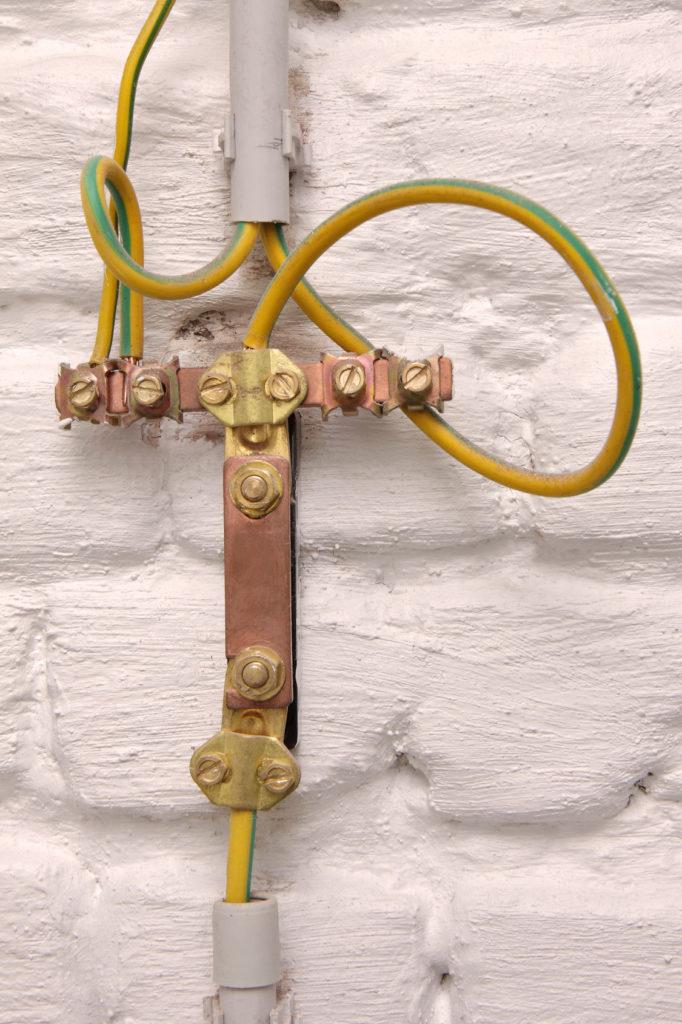 Arrivée fil de terre électricité