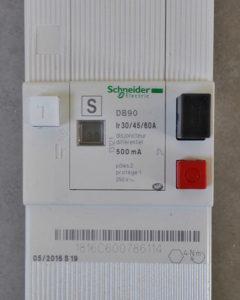 Disjoncteur électrique général Schneider